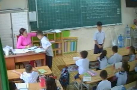 Cô giáo đánh học sinh tại TP.HCM: 'Tôi xem video cũng thấy sợ mình' - Ảnh 1