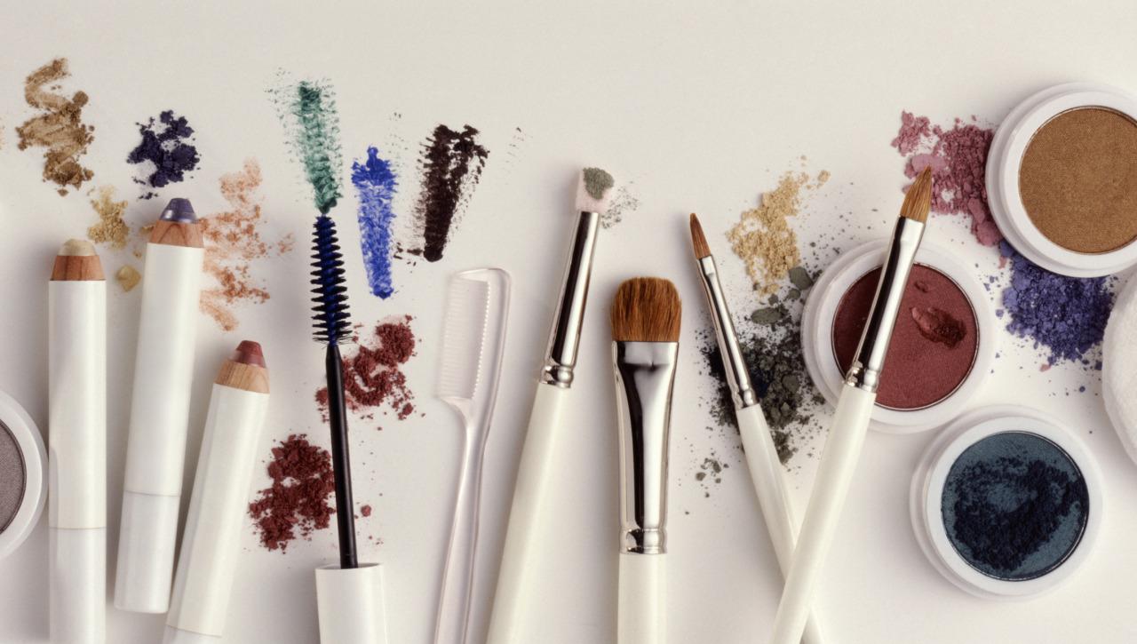 14 lỗi trang điểm phụ nữ thường xuyên mắc phải khiến càng cố gắng makeup, nhan sắc càng xuống cấp trầm trọng - Ảnh 9