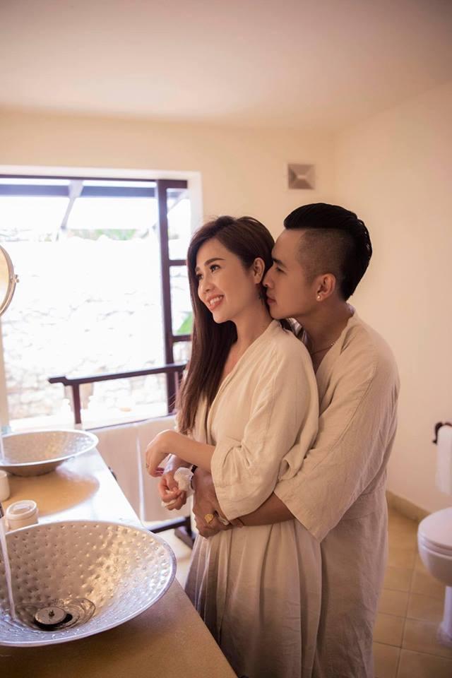 Chị gái Ngọc Trinh cưới hot boy Vbiz: Nhẫn cưới bạc tỷ và chuyện tình gây choáng - Ảnh 4