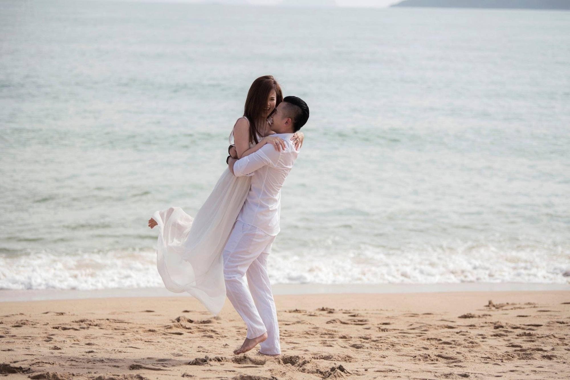 Chị gái Ngọc Trinh cưới hot boy Vbiz: Nhẫn cưới bạc tỷ và chuyện tình gây choáng - Ảnh 6