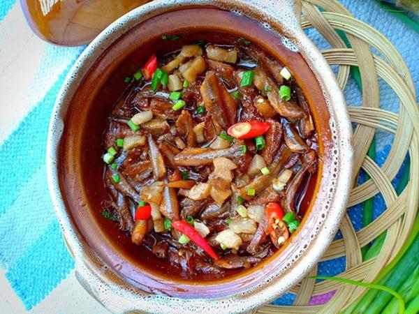 Mẹ đảm chia sẻ công thức nấu cá bống kho tộ đậm chất miền Tây - Ảnh 7