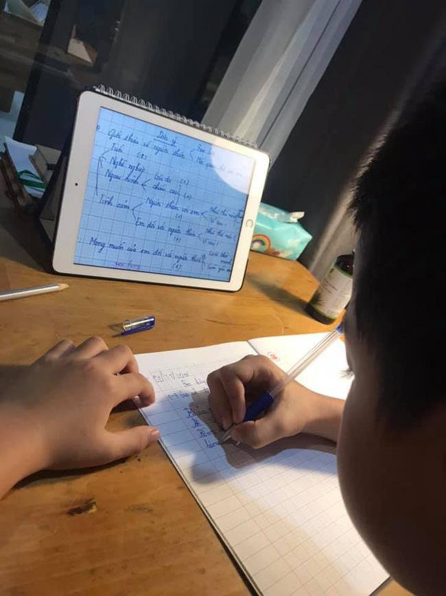 """Chỉ là bài văn thông thường của cậu học sinh lớp 3, nhưng khi biết """"công thức viết văn"""" của bà mẹ thì ai cũng phục sát đất - Ảnh 4"""