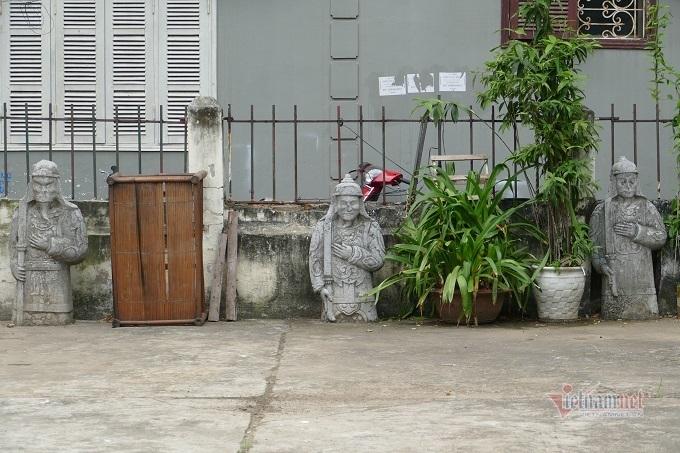 Chục gia đình sống trong ngôi mộ cổ, chuyện rợn tóc gáy giữa lòng thủ đô - Ảnh 5