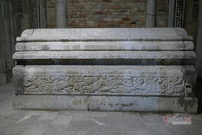 Chục gia đình sống trong ngôi mộ cổ, chuyện rợn tóc gáy giữa lòng thủ đô - Ảnh 9