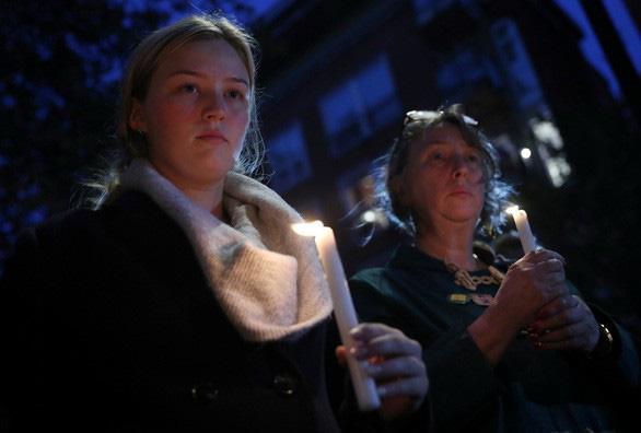 Daily Mail: Đã xác định tên tuổi 39 nạn nhân - Ảnh 1