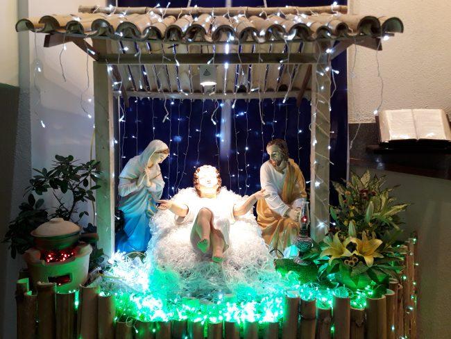 Hang đá Chúa ngày Noel phải có tượng Đức Bà Maria, ông Thánh Giuse và Chúa hài đồng