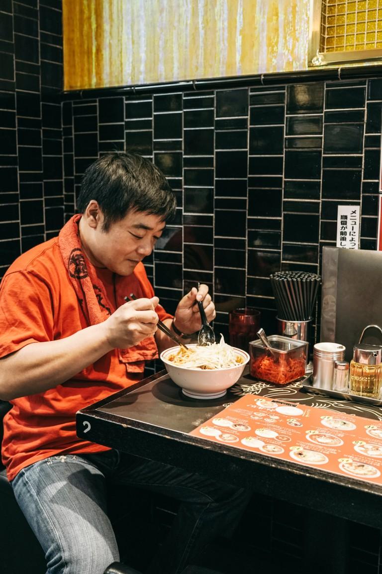 Món mì cay nhất Tokyo khiến thực khách vừa ăn vừa khóc - Ảnh 8