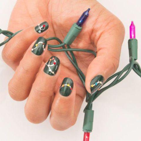 Mẫu nail giáng sinh đơn giản mà ngập tràn không khí Noel