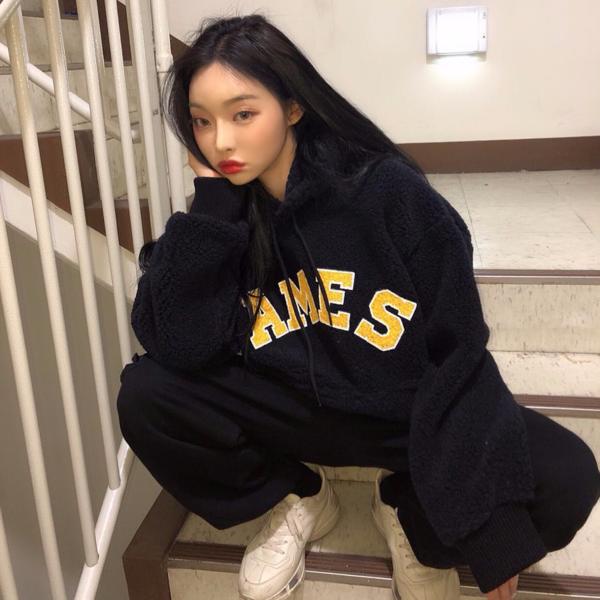 4 item khó thiếu trong tủ đồ của con gái Hàn mùa đông - Ảnh 11