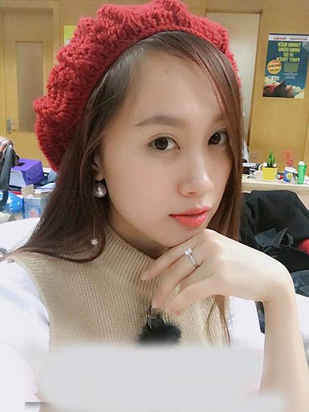 Lộ ảnh NSND Trung Hiếu đưa bạn gái kém 19 tuổi đi thử váy cưới, cô dâu xinh như thiên thần - Ảnh 2