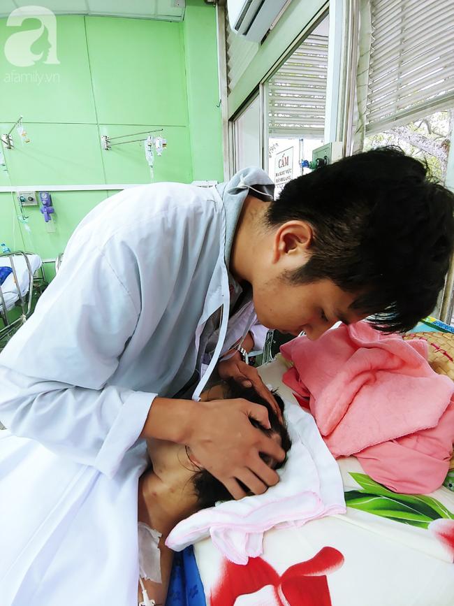 Mẹ mới sinh phải cắt cụt tứ chi sau khi bị áp xe vú: Bác sĩ sản khoa tiết lộ thông tin bất ngờ - Ảnh 7