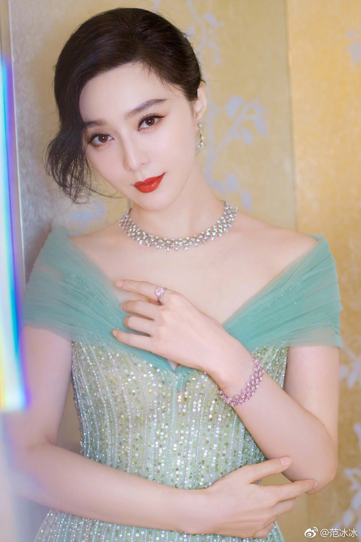 Từng là a hoàn cho Lâm Tâm Như, nhưng giờ đây họ đều là những nữ hoàng rating của màn ảnh Hoa ngữ - Ảnh 1