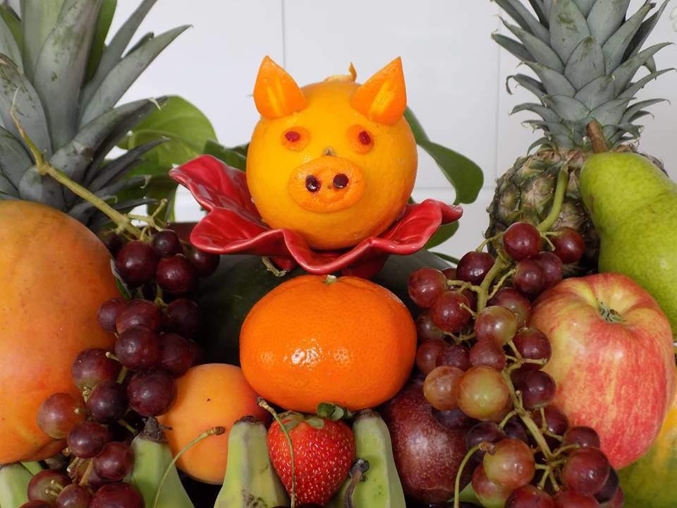 Năm Kỷ Hợi bày đĩa hoa quả hình lợn dễ thương đãi khách tới chơi nhà - Ảnh 6