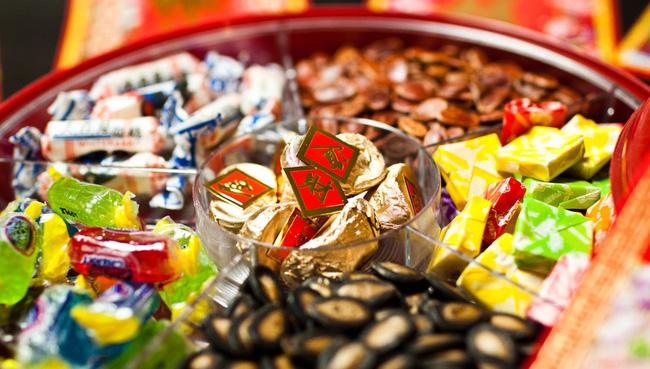 Lời khuyên cực hữu ích cho các mẹ để con luôn ăn uống lành mạnh ngay cả trong dịp Tết ngập ngụa bánh kẹo - Ảnh 2