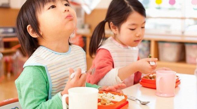 Lời khuyên cực hữu ích cho các mẹ để con luôn ăn uống lành mạnh ngay cả trong dịp Tết ngập ngụa bánh kẹo - Ảnh 4