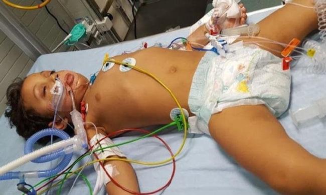 Ăn vụng sô cô la của mẹ, con trai 3 tuổi bỗng rơi vào cảnh thập tử nhất sinh - Ảnh 2