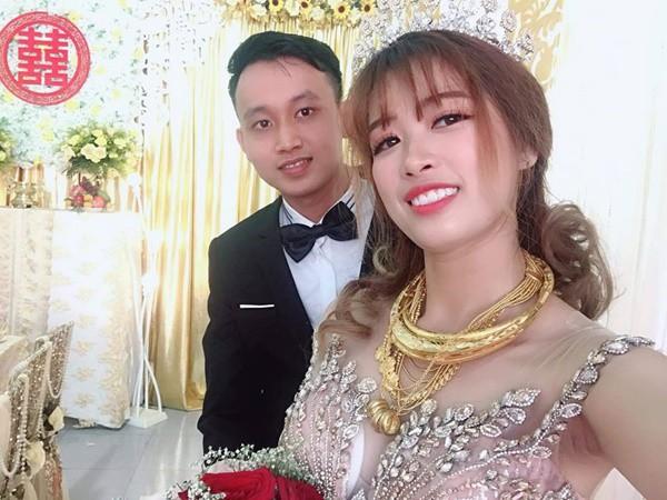 Lại xuất hiện cô dâu đeo vàng nặng trĩu, chồng đẹp như soái ca khiến nhiều chị em trầm trồ ghen tỵ - Ảnh 3