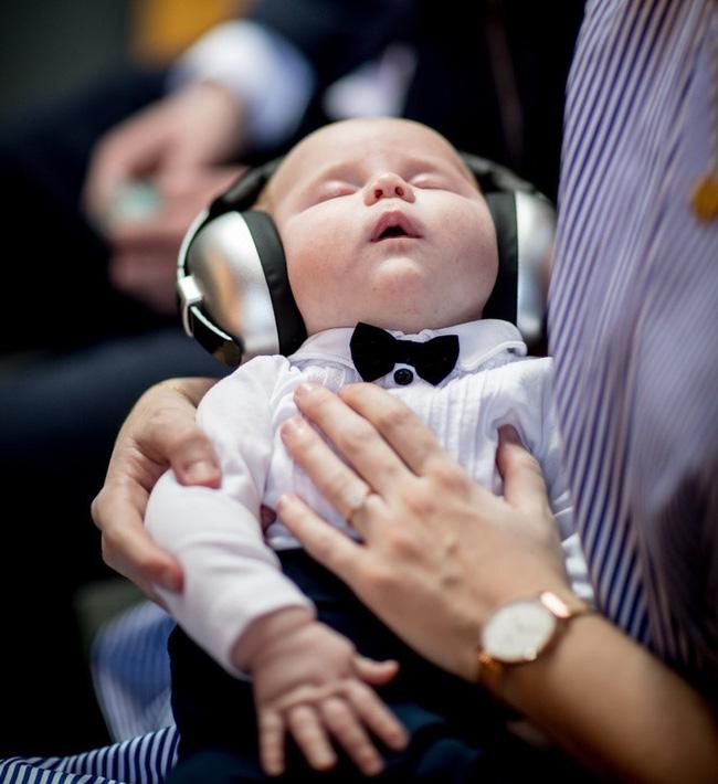 Con trai nhỏ cứ 3 tiếng lại dậy khóc đêm một lần, mẹ trẻ hiến kế giúp con ngủ ngoan đến sáng - Ảnh 2