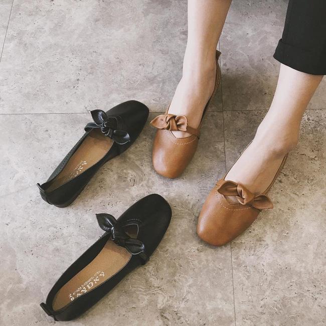 Đã đến lúc những đôi boots thời thượng nhường chỗ cho 4 mẫu giày công sở cách điệu xinh xắn này - Ảnh 6