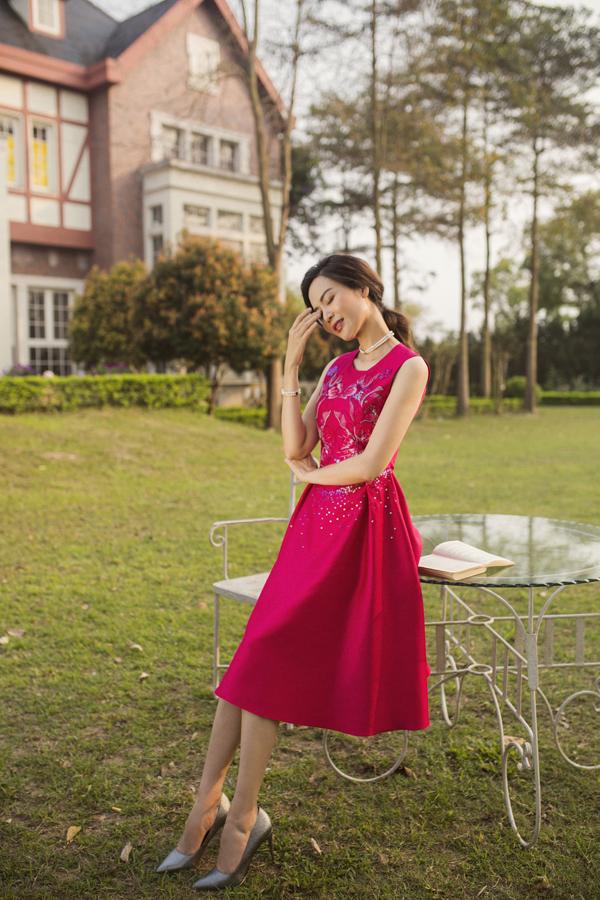 Hoa hậu Thu Thủy: 'Tôi không phải là người mẹ hoàn hảo' - Ảnh 1