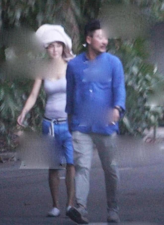 Thực hư loạt ảnh Trương Bá Chi lộ bụng bầu đi du lịch cùng 'người tình bí mật' bị rò rỉ trên mạng - Ảnh 4