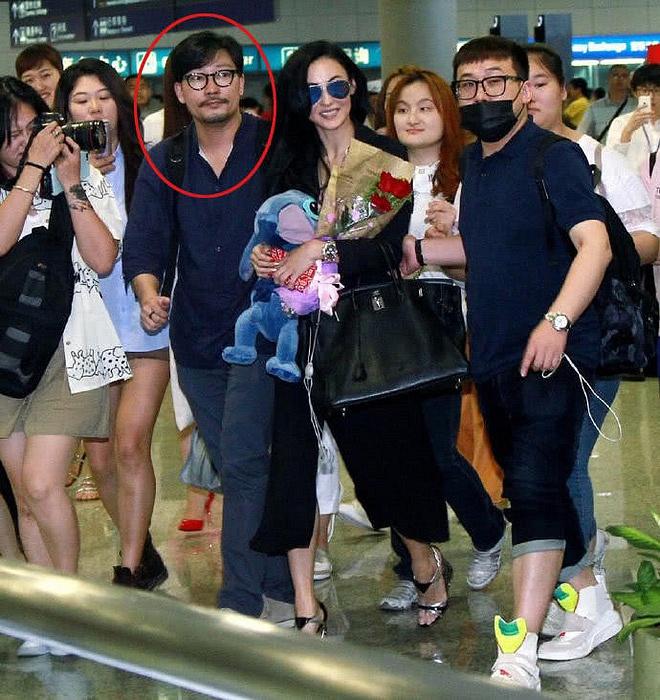 Thực hư loạt ảnh Trương Bá Chi lộ bụng bầu đi du lịch cùng 'người tình bí mật' bị rò rỉ trên mạng - Ảnh 6