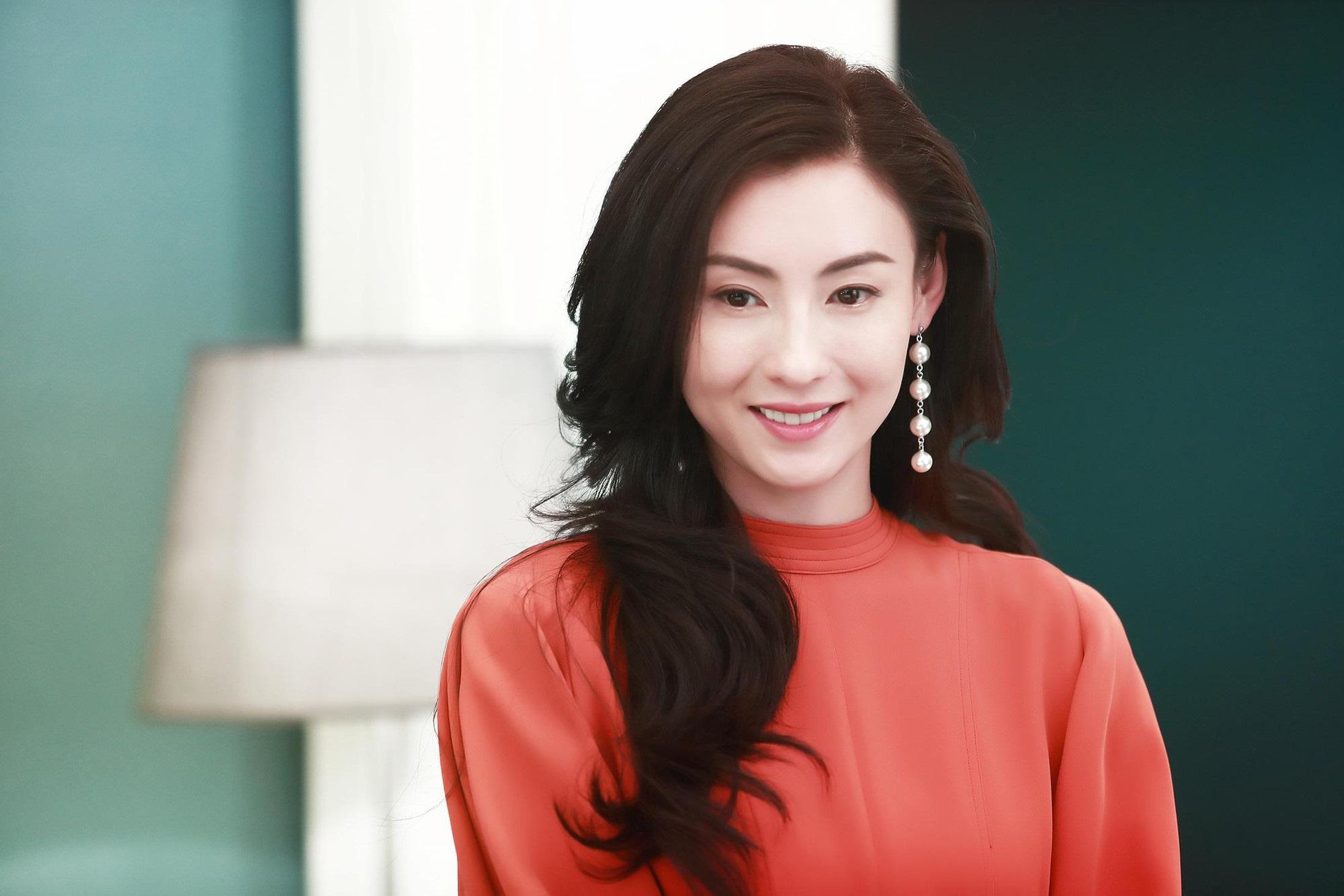 Thực hư loạt ảnh Trương Bá Chi lộ bụng bầu đi du lịch cùng 'người tình bí mật' bị rò rỉ trên mạng - Ảnh 1