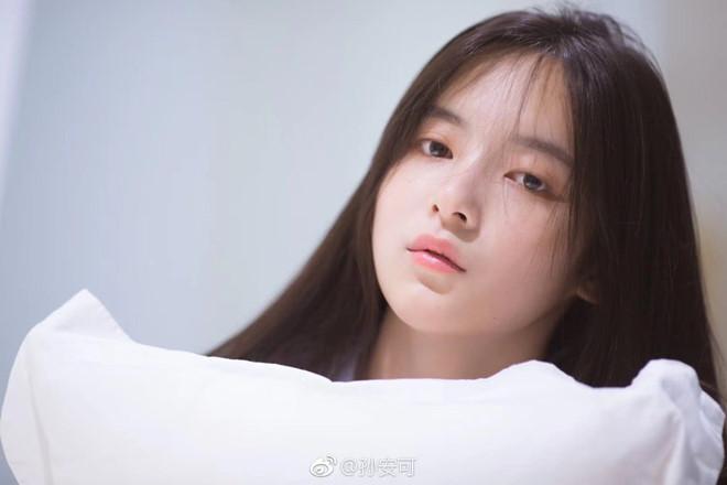 Vẻ đẹp mong manh của 'Dương Bất Hối' trong 'Ỷ Thiên Đồ Long ký' 2019 - Ảnh 6