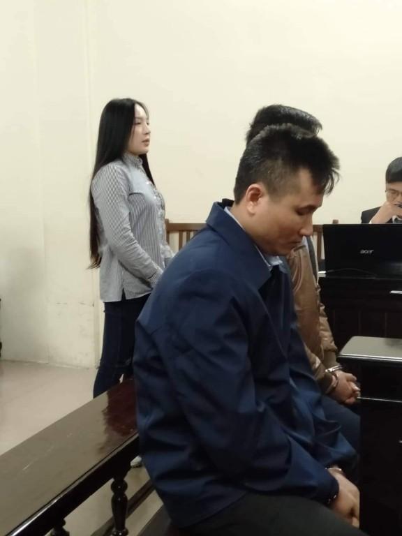 Xét xử vụ ca sĩ Châu Việt Cường nhét tỏi khiến cô gái tử vong: 'Bị cáo chỉ biết tỏi có thể trừ tà ma, càng ăn nhiều càng tốt...' - Ảnh 4