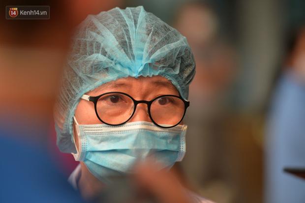 Nam bác sỹ đầu tiên nhiễm Covid-19 khỏi bệnh: 'Bạn ấy luôn áy náy khi nhiễm bệnh, chỉ lo lắng cho đồng nghiệp' - Ảnh 1