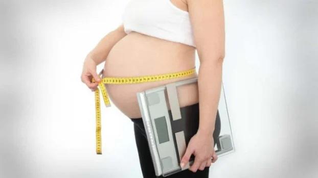 Bé gái chào đời nặng 6 kg, mang thai to nguy hiểm thế nào? - Ảnh 3