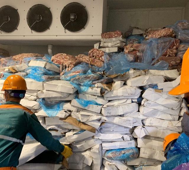 Xử lý hơn 72 tấn lòng non lợn không rõ nguồn gốc chờ tiêu thụ - Ảnh 1