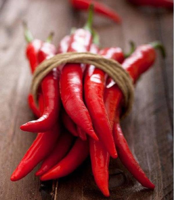 Trời nắng nóng khó chịu, tránh xa 5 loại thực phẩm càng ăn càng 'bốc hỏa' - Ảnh 1