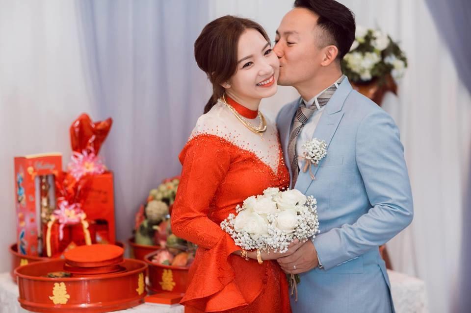 Hari Won còn mải thanh minh chuyện bầu bí, vợ Đinh Tiến Đạt báo tin bị nghén dữ dội sau 5 tháng kết hôn - Ảnh 1