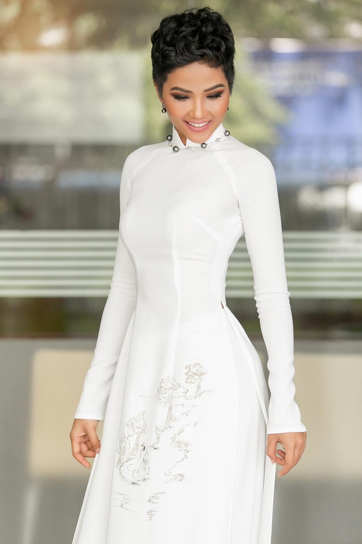 Bị chê như đàn ông, Hoa hậu H'Hen Niê quyết thay đổi kiểu tóc mới, nhìn là thích ngay - Ảnh 5