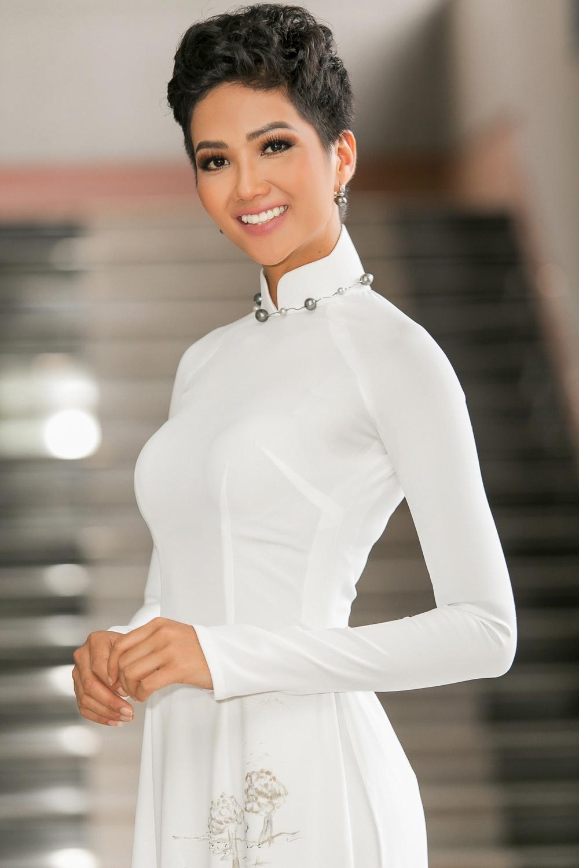 Bị chê như đàn ông, Hoa hậu H'Hen Niê quyết thay đổi kiểu tóc mới, nhìn là thích ngay - Ảnh 6