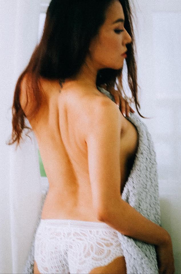 Cận cảnh bộ ảnh bikini nóng bỏng mắt của bà mẹ hai con Lý Thanh Thảo trước ngày cưới - Ảnh 5