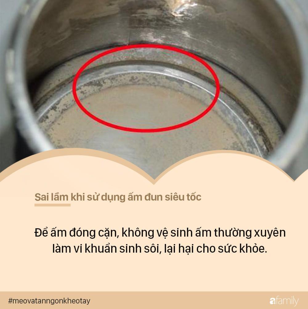 7 sai lầm khi sử dụng ấm siêu tốc có thể khiến ổ điện nổ tung, dễ gây hại đến cả nhà - Ảnh 6