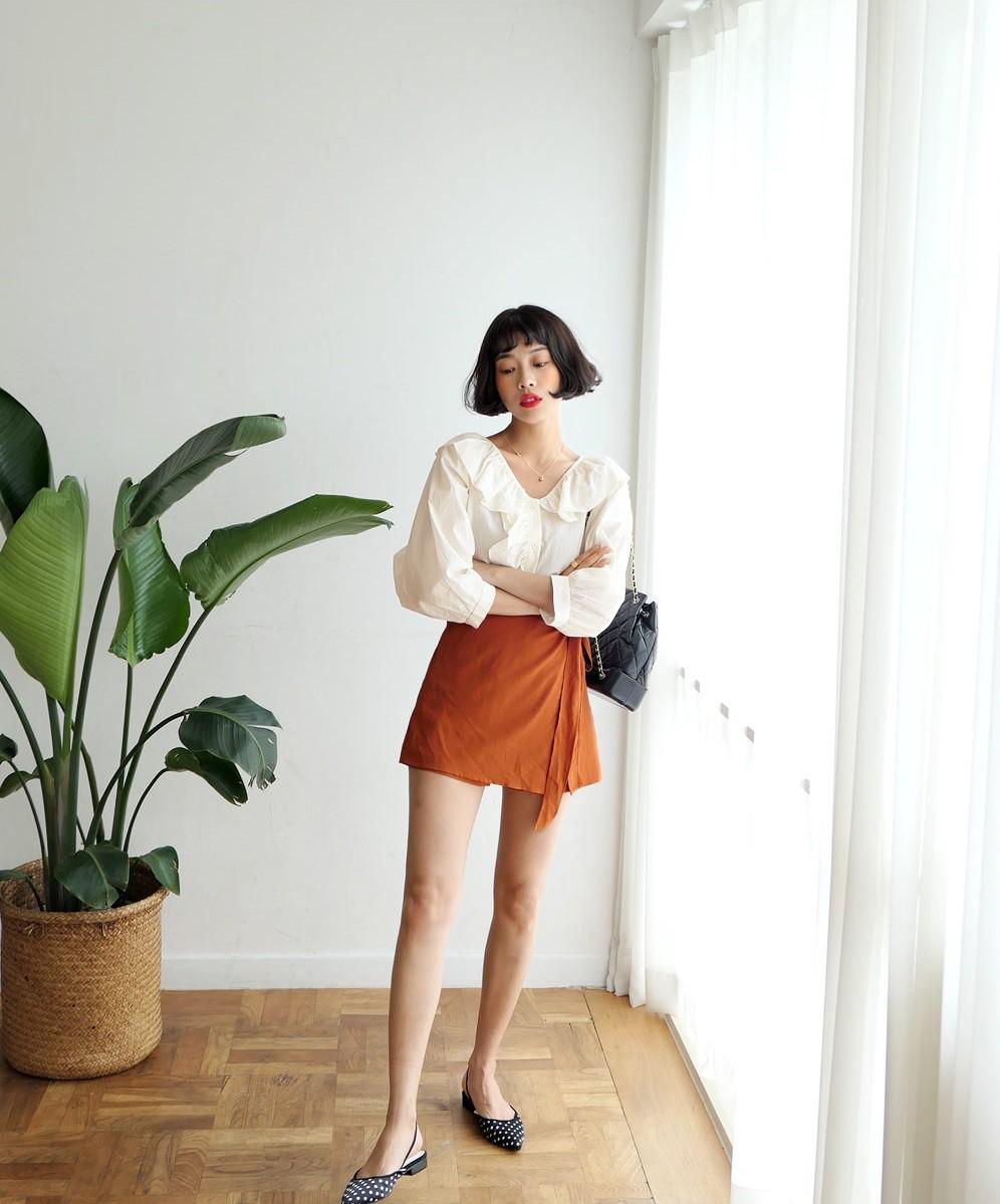 4 kiểu chân váy ngắn diện lên trẻ trung hết sức, lại còn giúp khoe triệt để đôi chân thon gọn nuột nà - Ảnh 8