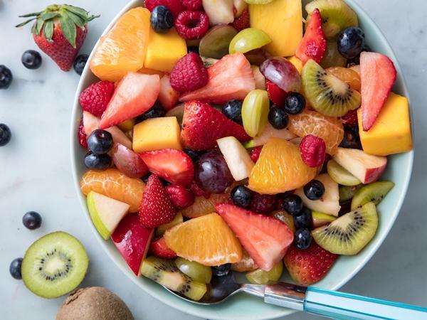 Cứ ăn trái cây theo cách sai lầm này thì chẳng những mất hoàn toàn dưỡng chất mà còn gây hại sức khỏe, sắc vóc - Ảnh 1