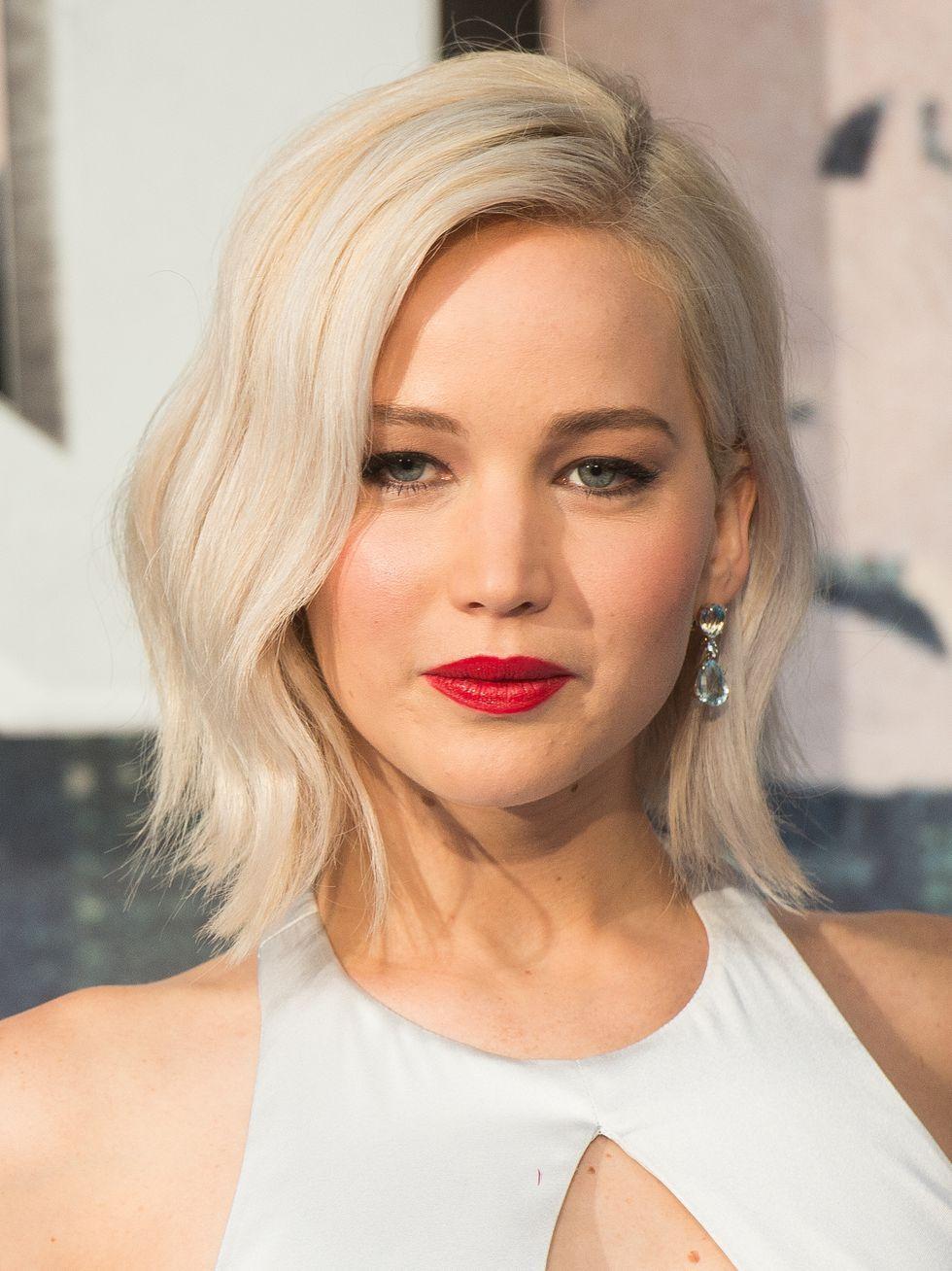 Mỹ nhân Hollywood gợi ý 10 kiểu tóc xoăn đẹp cho từng dáng mặt - Ảnh 1