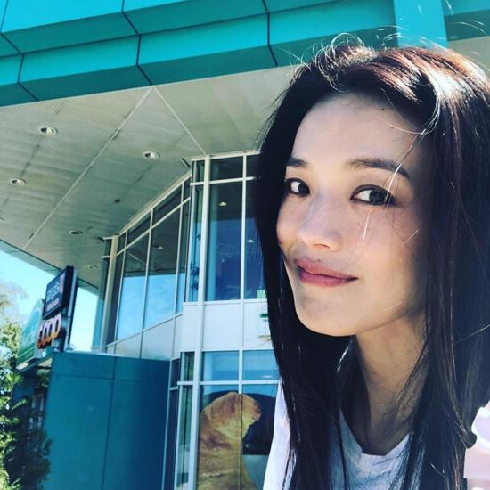Ngoài tứ tuần, nhiều sao Hoa ngữ vẫn có mặt mộc đẹp phát mức gái trẻ 'xách dép chạy theo không kịp' - Ảnh 3