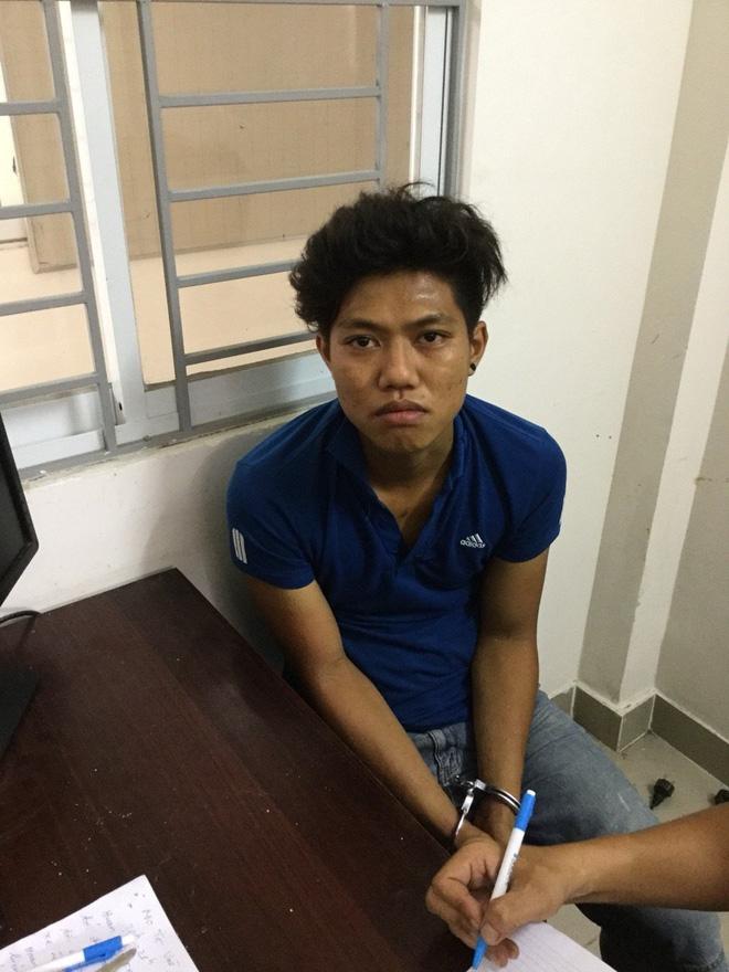 Bắt nhóm đối tượng chuyên dùng búa đánh vào đầu người dân cướp tài sản ở Sài Gòn - Ảnh 4