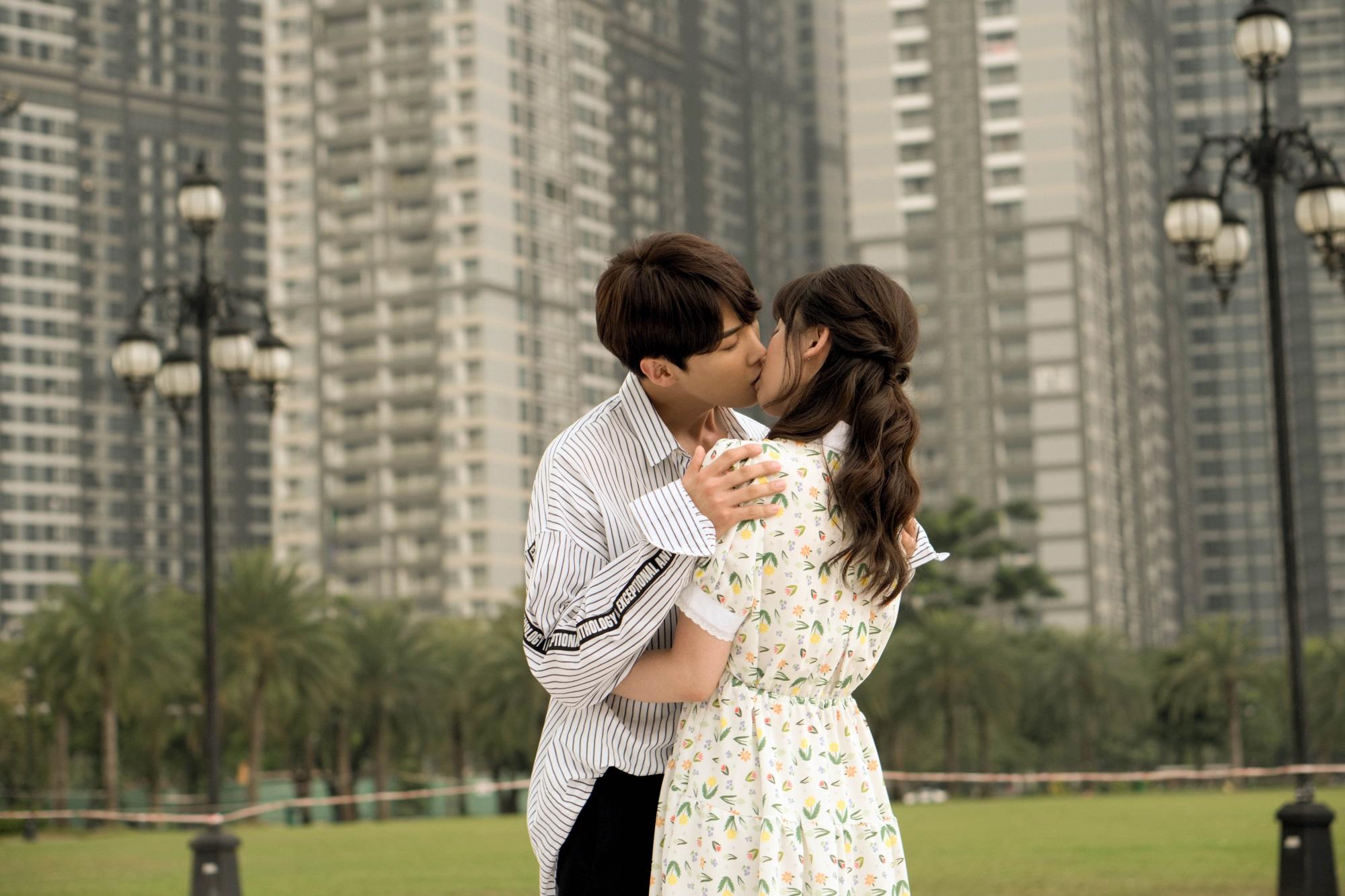 Hari Won nói gì về Trấn Thành sau khi hôn say đắm 'oppa' Park Jung Min? - Ảnh 2