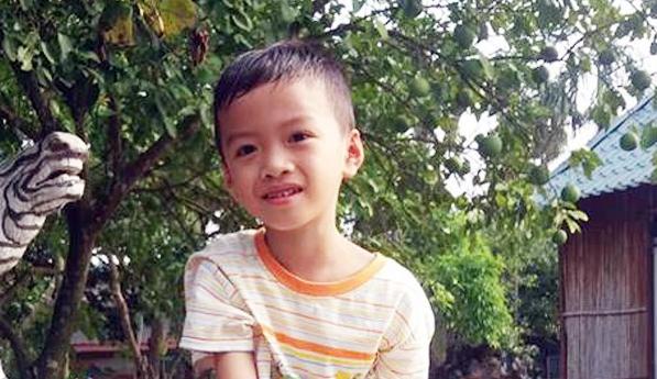 Ra bến đò gần nhà chơi cùng bạn, bé trai 7 tuổi mất tích bí ẩn - Ảnh 1