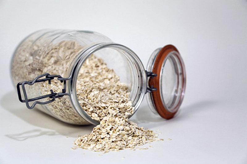 Chăm sóc và giúp da trắng mịn không ngờ với bột yến mạch - Ảnh 6