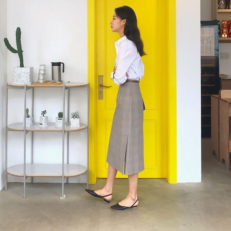 Tủ đồ của nàng công sở mà thiếu đi mẫu giày này thì đã bớt vài phần thú vị, mix đồ cũng khó sang chảnh - Ảnh 11