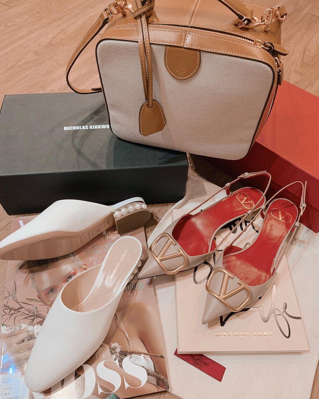 Tủ đồ của nàng công sở mà thiếu đi mẫu giày này thì đã bớt vài phần thú vị, mix đồ cũng khó sang chảnh - Ảnh 12