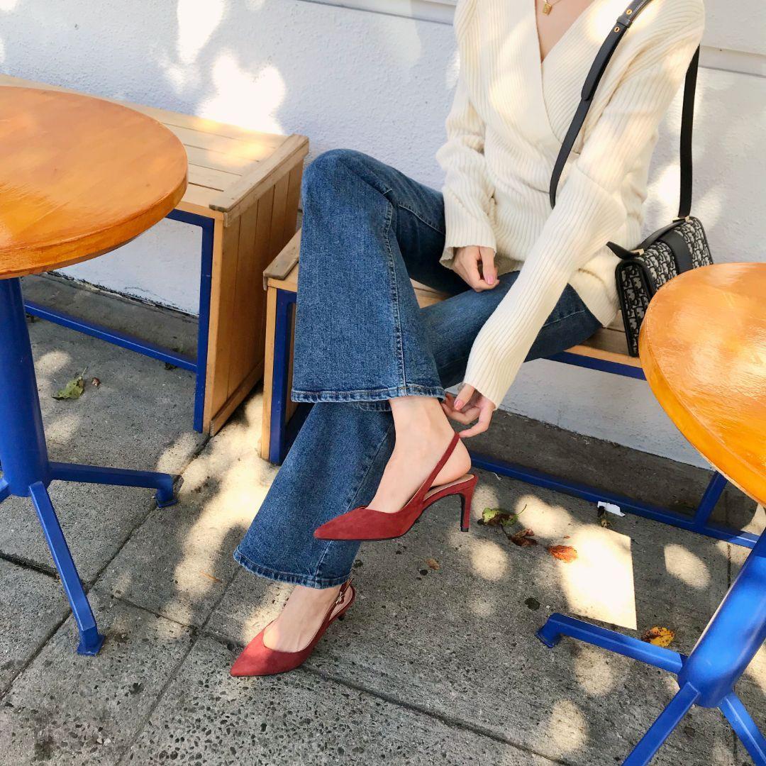 Tủ đồ của nàng công sở mà thiếu đi mẫu giày này thì đã bớt vài phần thú vị, mix đồ cũng khó sang chảnh - Ảnh 4