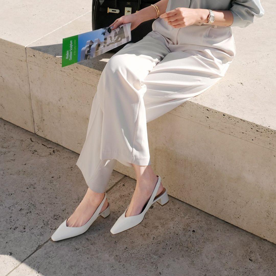 Tủ đồ của nàng công sở mà thiếu đi mẫu giày này thì đã bớt vài phần thú vị, mix đồ cũng khó sang chảnh - Ảnh 9